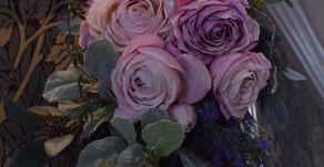 趣味で楽しむアーティフィシャルフラワーレッスン、ともこさんの作品「優美なバラのスワッグ」
