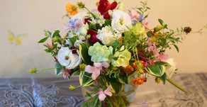NFDフラワーデザイナー資格検定レッスン参加作品「ほぐれた装飾的花束」