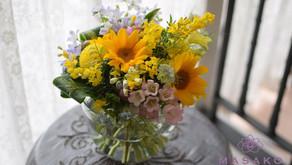 体験レッスンで「ヒマワリの花束」を制作なさいました弘美さんの作品をご紹介いたします。