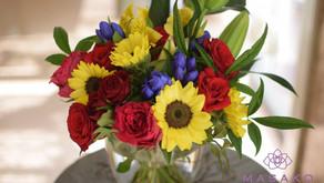 体験レッスンで「ヒマワリの花束」を制作なさいました、けいこさんの作品をご紹介いたします。