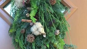 体験レッスンでクリスマスレッスンに参加された、NSさんの作品「スワッグ」