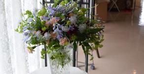 NFDフラワーデザイナー講師新規登録コース、テーマ「ほぐれた装飾的花束」さとこさんの作品①