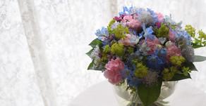 NFDフラワーデザイナー2級資格検定コース、試験テーマ「モダン装飾的花束」あすかさんの作品