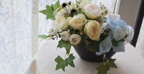 趣味で楽しむアーティフィシャルフラワーレッスン、「白いバラの花束」あきこさんの作品