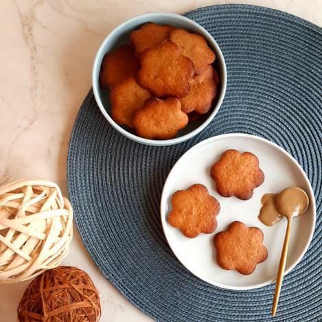 Слънчеви бисквити със слънчогледов тахан