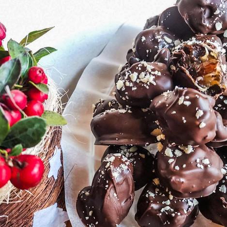 Бадеми във фурми, обвити в шоколад