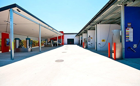 Car wash tingalpa baywash convenience to clean the interior of your vehicles yourself or we can do it for you with one of our valet services book online here or drop in available solutioingenieria Choice Image