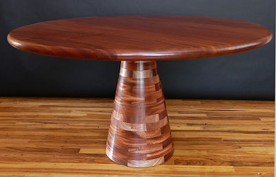 Angelo Dining Table_c_low.jpg