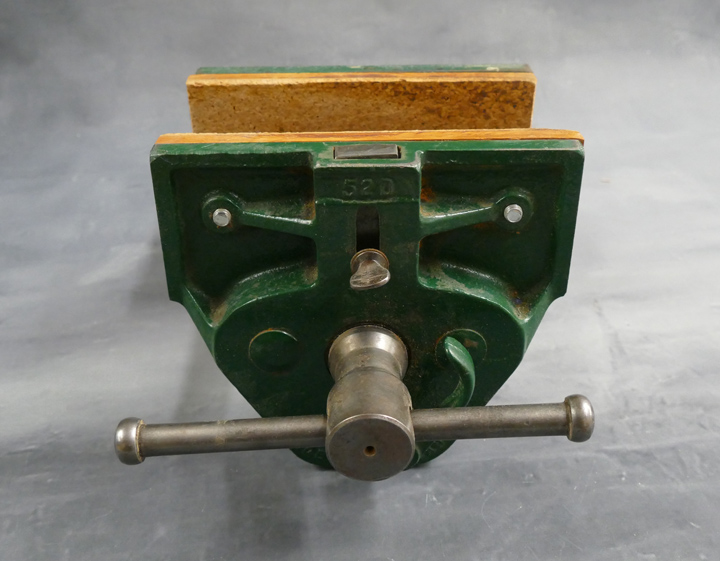 Record Vise 52D with Quick Release