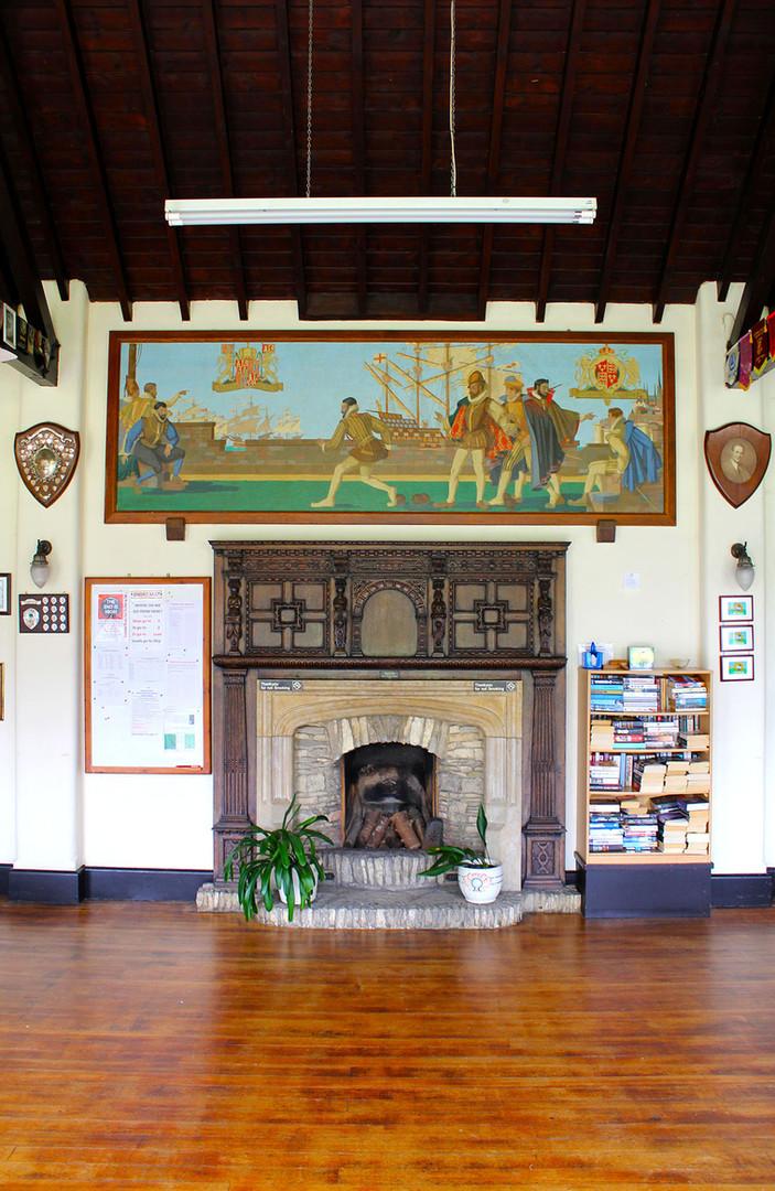 Club Fireplace 72dpi.jpg