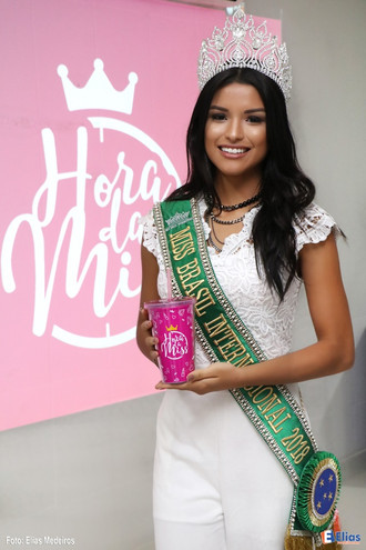 Vanessa Fernandes prestigia evento do Hora da Miss