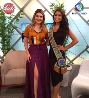 A Miss Brasil Internaciona fala sobre sua viagem ao programa Tudo com Priscilla Freire Tv Record