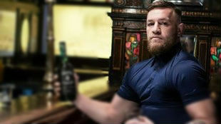 McGregor compra el pub en el que agredió a un hombre y le prohíbe entrar