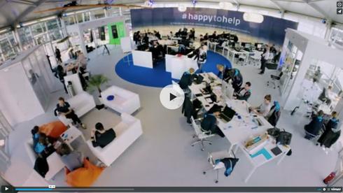 KLM #HAPPYTOHELP