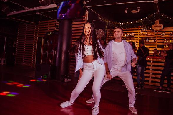 social-club-academia-de-baile-medellin7.