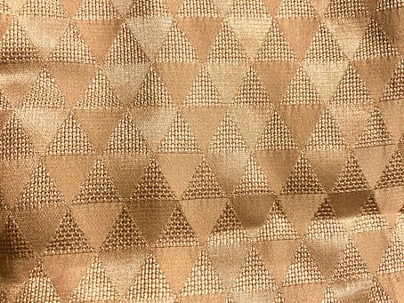 「厄除け文様鱗紋」海外にもひろめたいサステナブルな日本の伝統美。バッグにも用いたい。