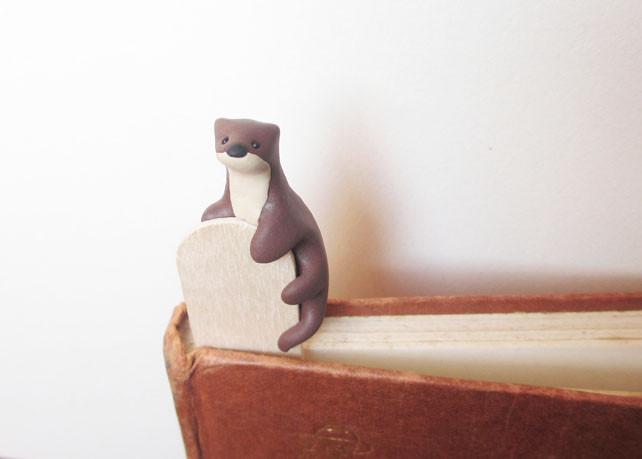 Cute otter bookmark