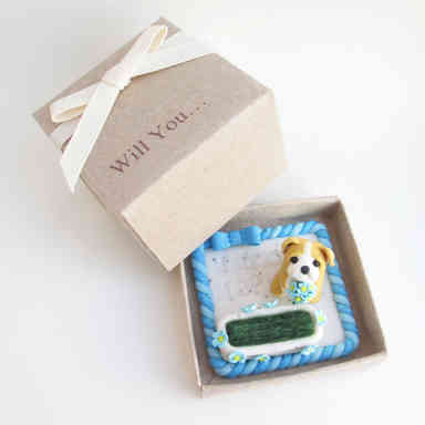 Puppy proposal ring holder