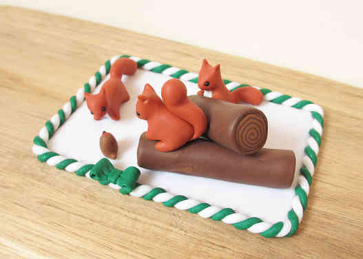 Red squirrel Christmas cake decoration