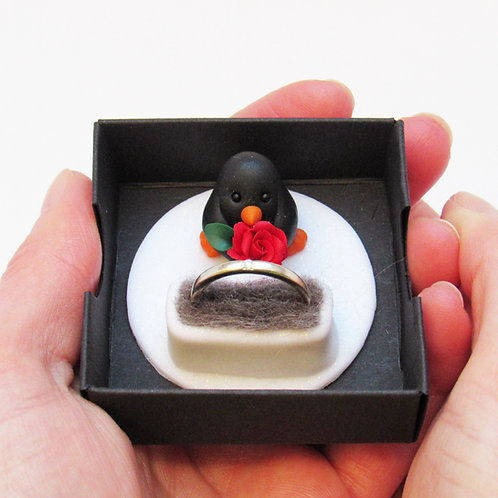 Penguin proposal ring box