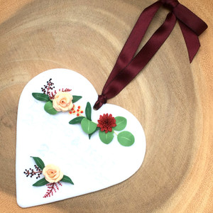 Wedding details heart plaque with flowers