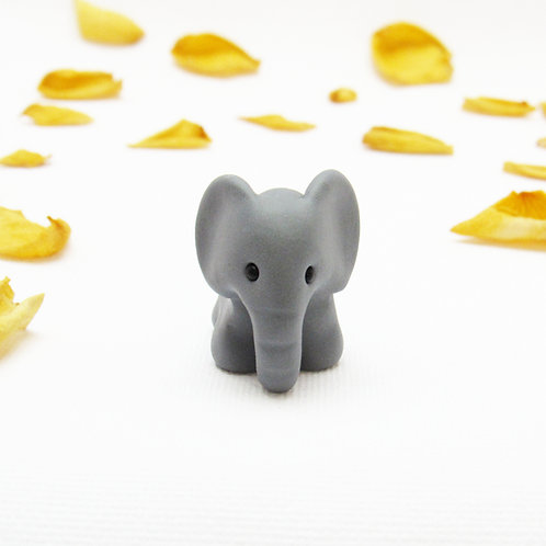 Tiny elephant ornament