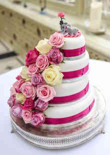 Elephant wedding cake decoration