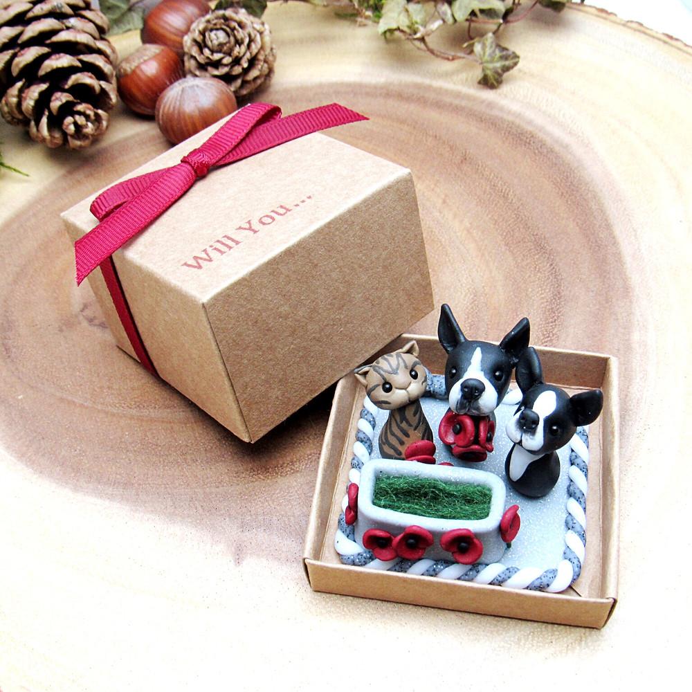Customised animal engagement ring box