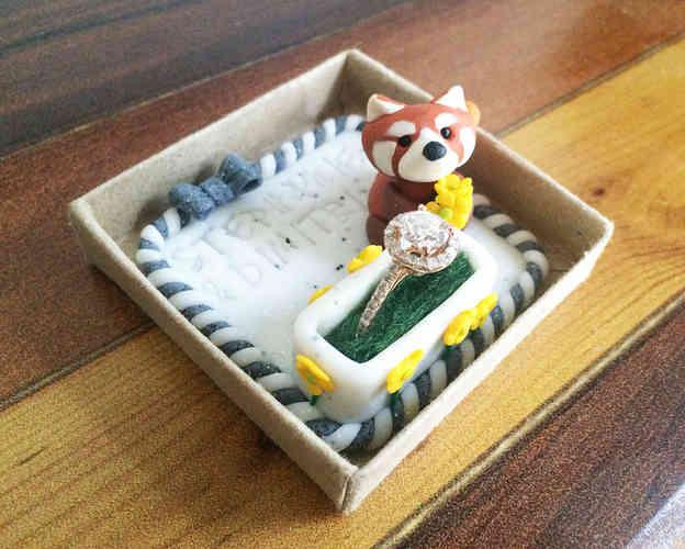Red panda ring box