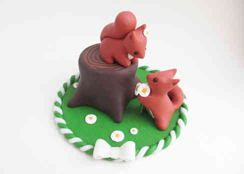 Red squirrel cake topper