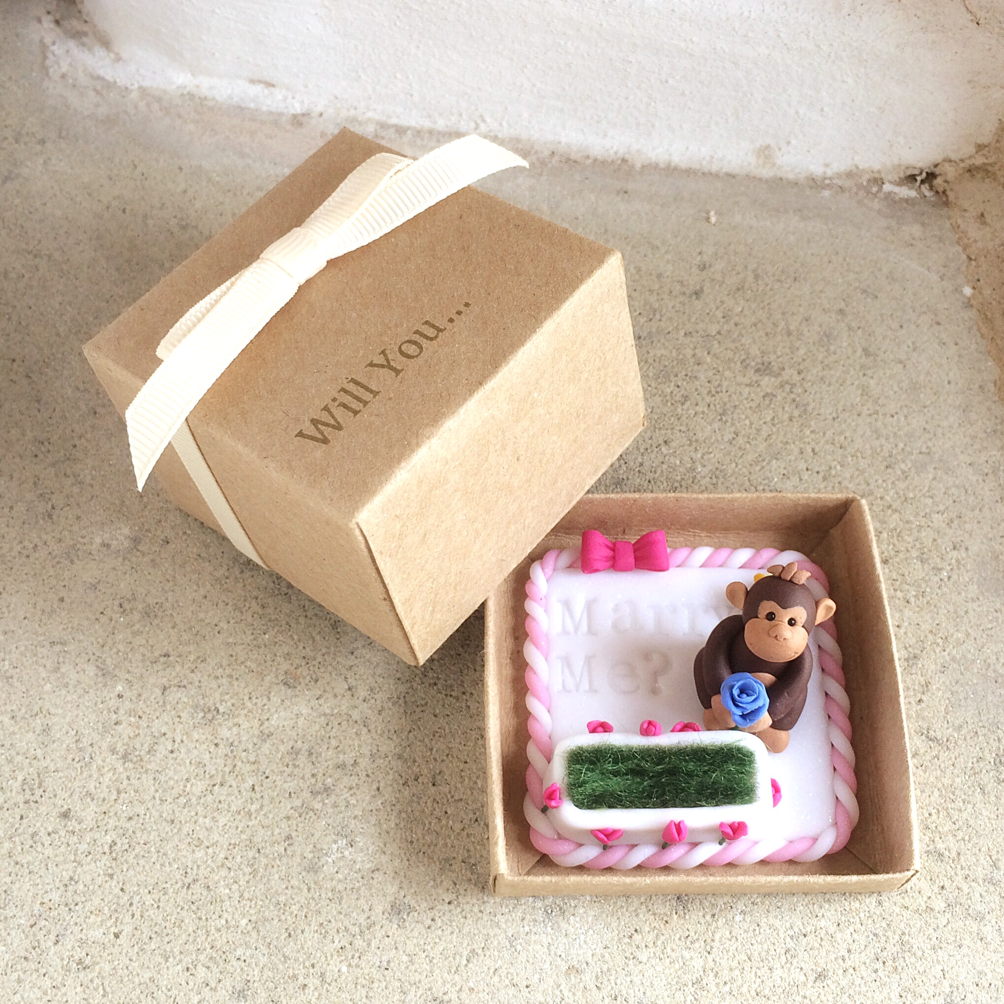 Monkey engagement ring box