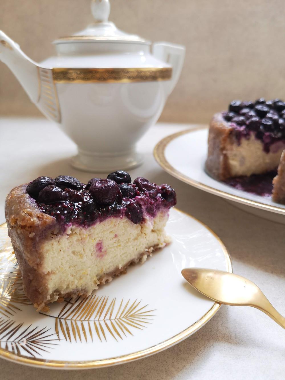עוגת גבינה ואוכמניות טבעונית