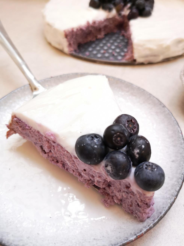 עוגת גבינה ואוכמניות דיאטטית