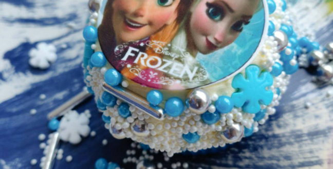 Frozen inspired edible icing paper cake/cupcake toppers