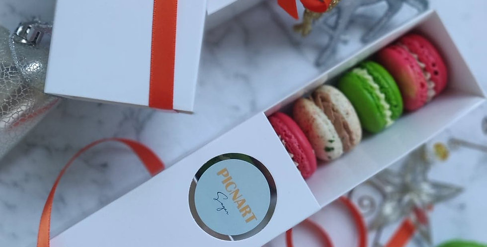 Christmas Macarons box of five ( Geelong and Melbourne city PICK UP only)