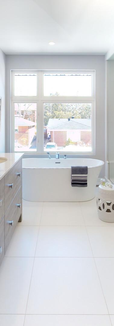 Greemark-Builders-Custom-Homes-Bathroom