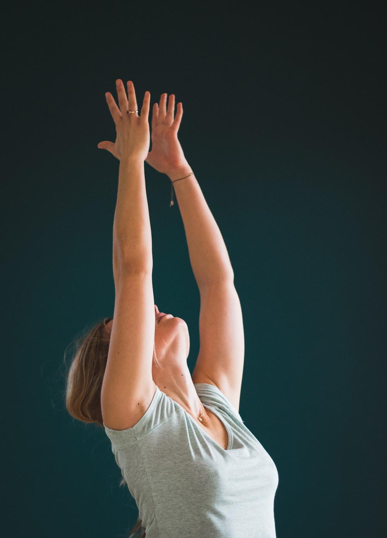 grossesse yoga prénatal vana yoga