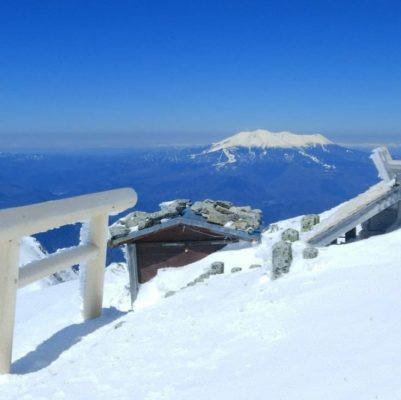 数日前に遭難者が登頂されたであろう木曽駒ケ岳山頂