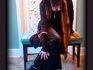 30 Days, 30 Ways! Day 19: ...she wore brown velvet....