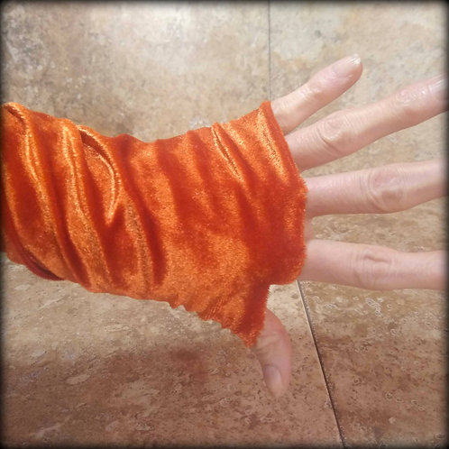Pumpkin Fingerless Gloves in stretch Velvet