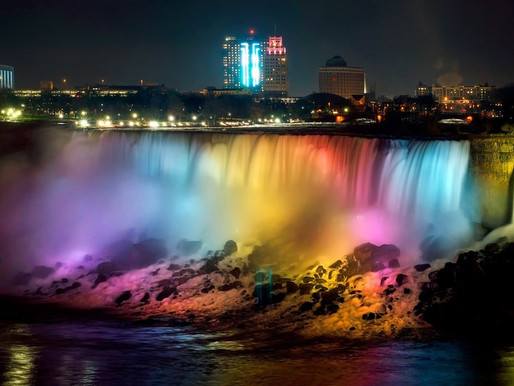 Фестиваль огней на Ниагарском водопаде