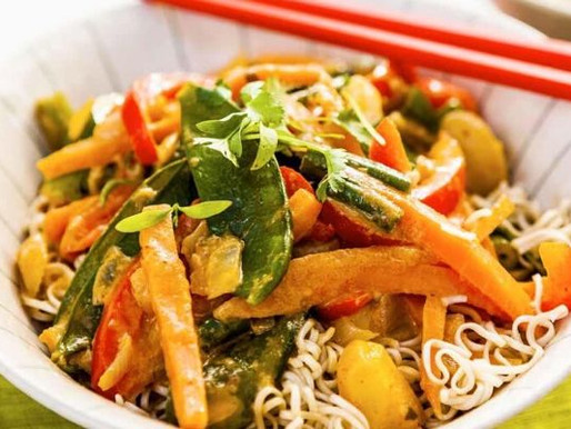 VEGETABLE RED-THAI CURRY WITH NOODLES