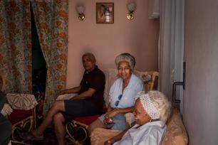 Sunday morning family gathering in Regla