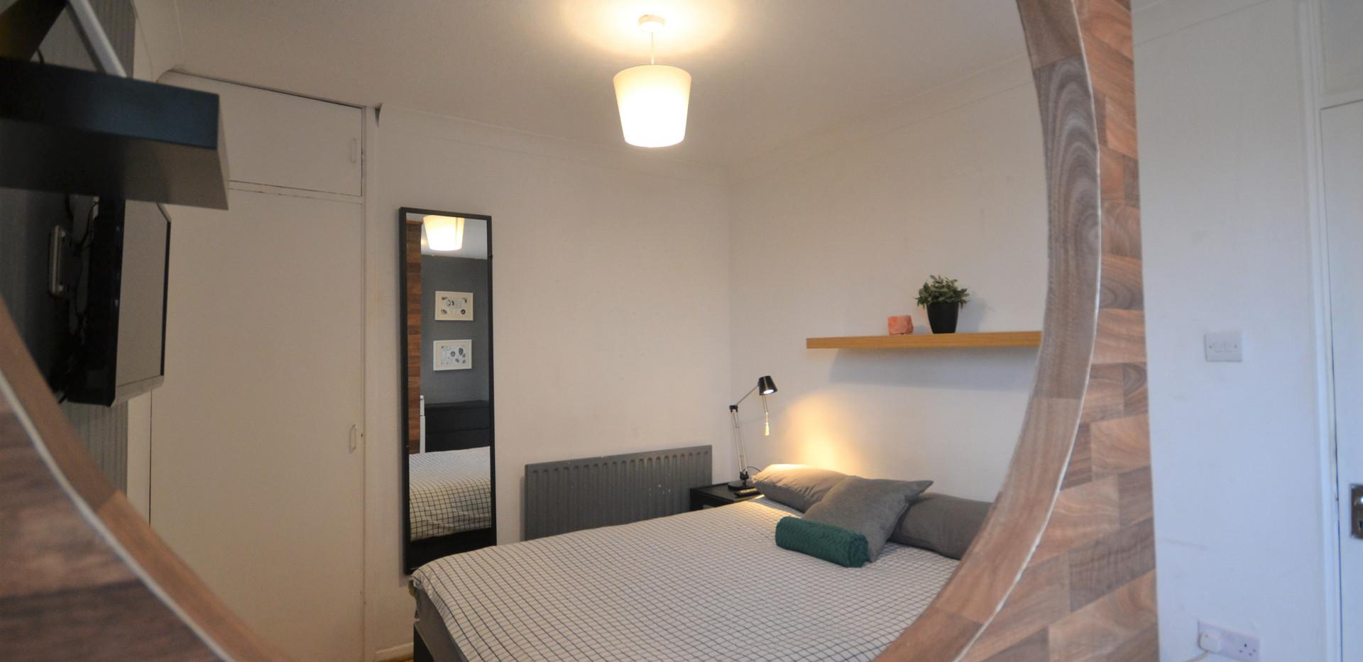 Private Ensuite Room