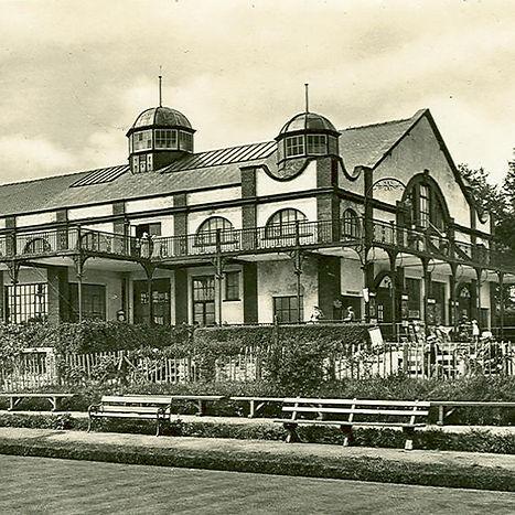 Grand-Pavilion-c1920.jpg