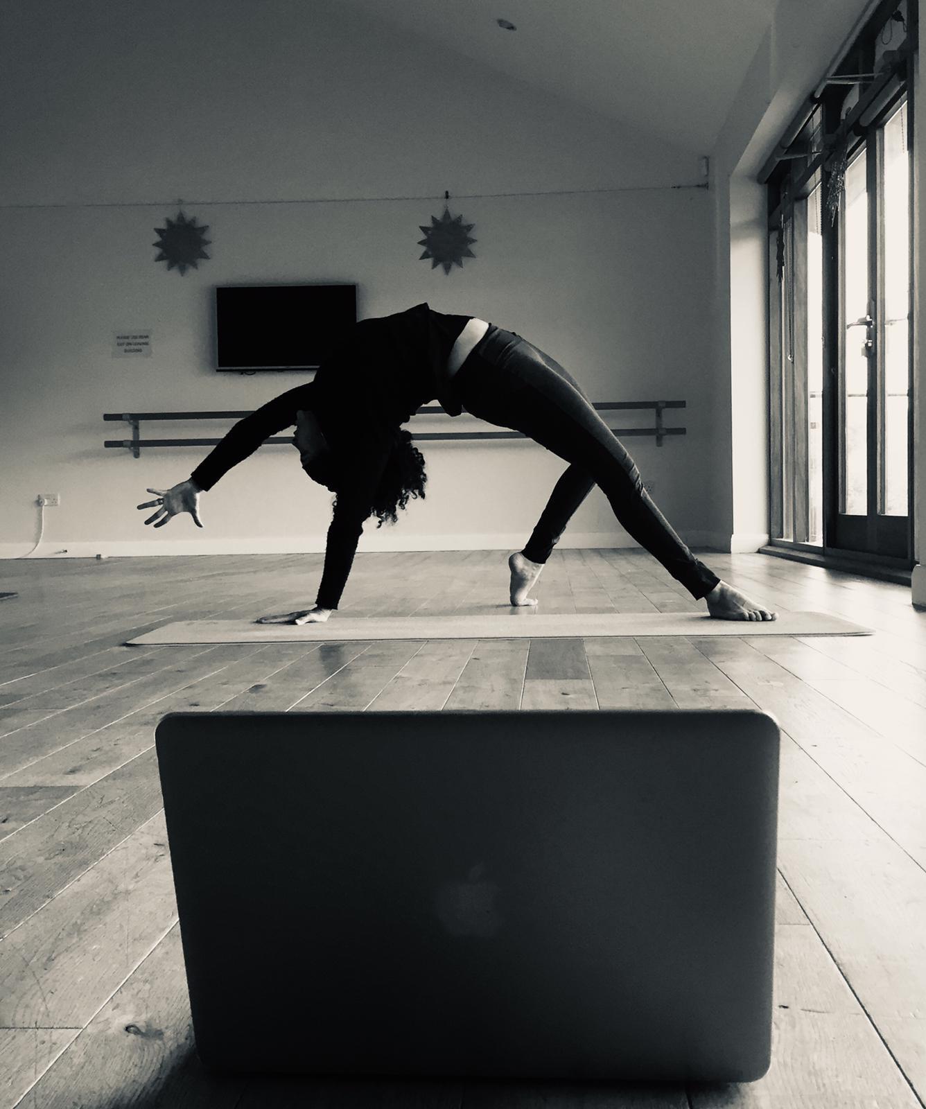 Power Vinyasa Yoga  Online