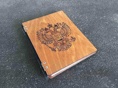 Деревянный ежедневник с гербом Российской Федерации