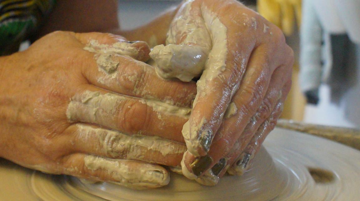 home2-hands