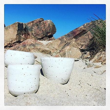 Sândkaas keramik siger godmorgen på en d