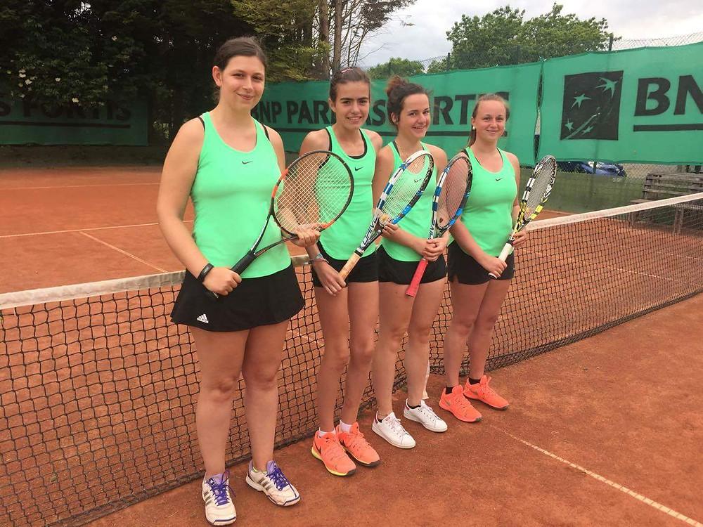 Dames 3 - Mariska Piecq, Lisa Claeys, Jody Ghijsels, Anna Baeskens